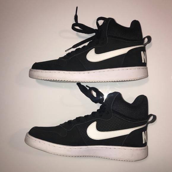separation shoes 1f918 c76d8 Black Nike High Tops. M 5c3e02819539f75486799292